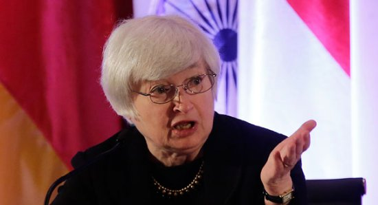 Рекордный курс доллара замедляет рост экономики США — ФРС