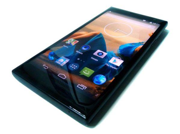 Highscreen Zera U: мощный смартфон с двумя батареями
